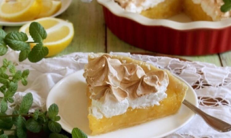 Ароматный лимонный пай с меренгой
